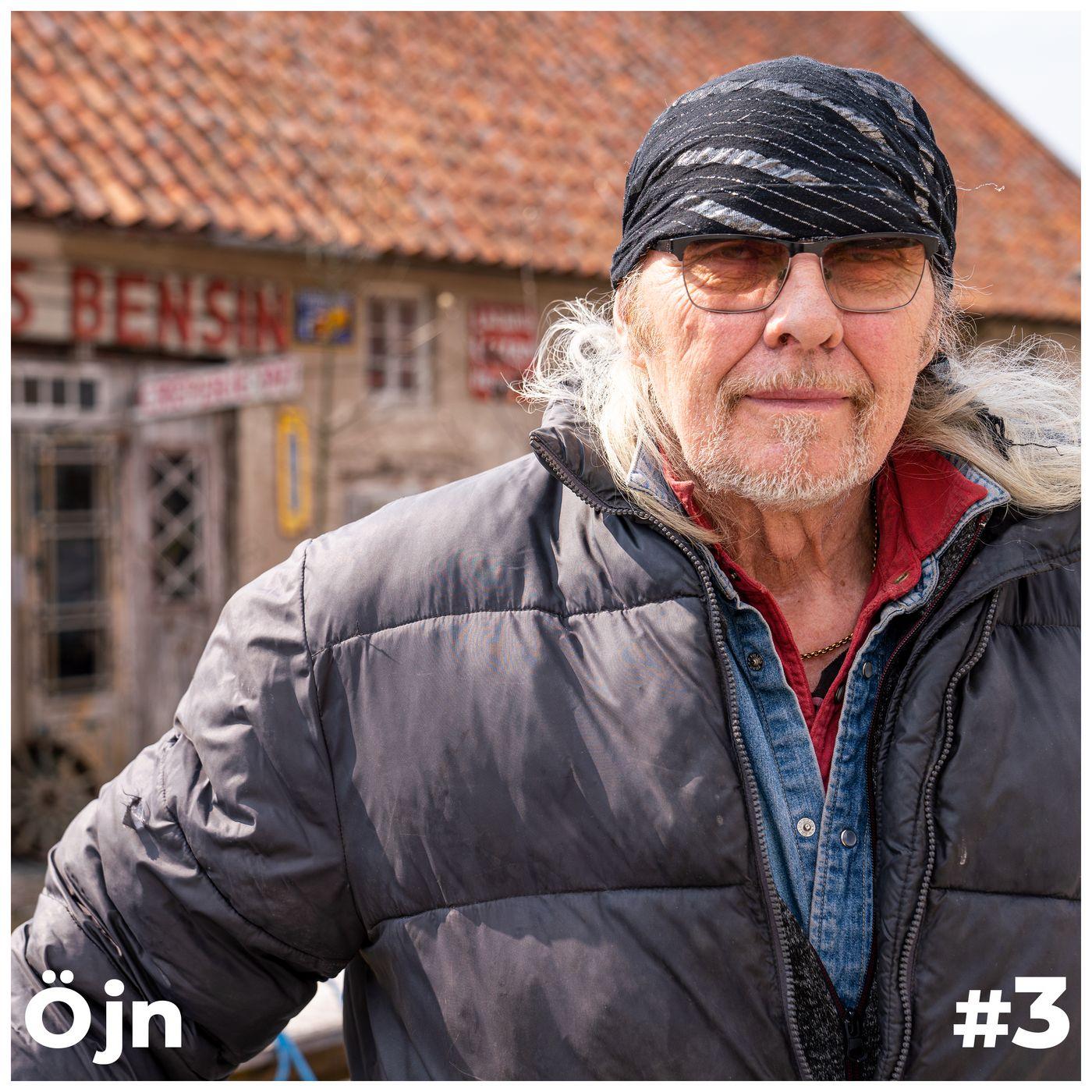 Nu är öjn på Fårö och tittar in hos legendariska Kutens Bensin med grundaren Thomas Lindholm. Thomas är man med en häftig historia.